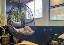のんびりと過ごすことも可能です - コプラス コワーキングカフェ イベントスペースの室内の写真