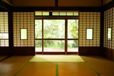 縁側 - 古民家asagoro 多目的スペースの設備の写真