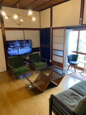 八畳の板の間 - 古民家asagoro 多目的スペースの設備の写真