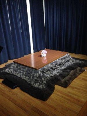 難波レンタルスペース リアン ルームA キッチン、ベランダ付きの室内の写真