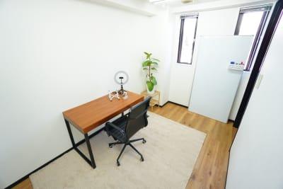 【SG Lounge】 SG Lounge ディシジョンの室内の写真