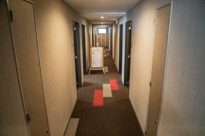 廊下 - メルディアステイIWAGAMI 会議室、レンタルスペースの室内の写真