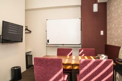 会議室内② - メルディアステイIWAGAMI 会議室、レンタルスペースの室内の写真