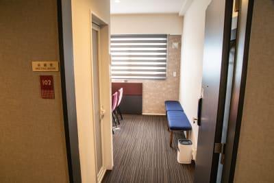 会議室入口 - メルディアステイIWAGAMI 会議室、レンタルスペースの室内の写真