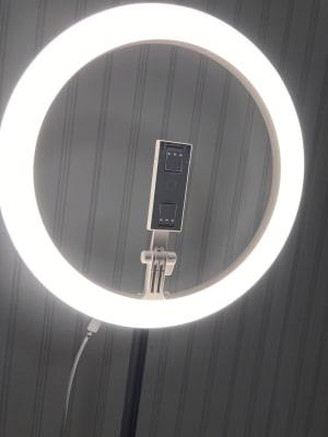 女優ライト完備!ご利用後はスイッチを消してください。 - pm2.standard703 レンタルスペースの設備の写真