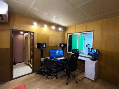 配信コントロールルーム - 撮影・配信スタジオ 1Fレンタル撮影・配信スタジオの室内の写真