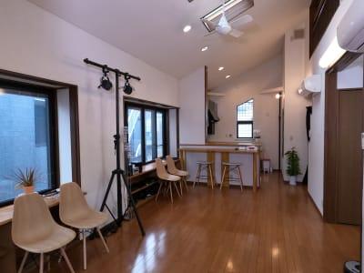 スタジオ2   - 撮影・配信スタジオ 2Fレンタル撮影・配信スタジオの室内の写真