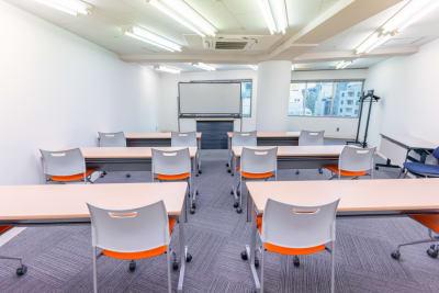 2名掛け12席のセッティングです。 - 渋谷フォーラムエイト 12階 1208会議室の室内の写真