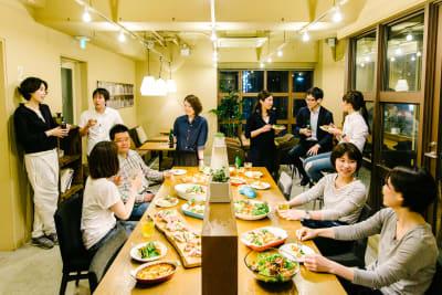 【キッチン・調理器具・食器等を使って歓迎会や打ち上げに】 - LEAGUE銀座 イベントスペ―スの室内の写真