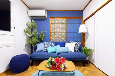 ゆったりソファでくつろいで頂けます - プレテコフレ朝潮橋 駅前レンタルミシンスペースの室内の写真