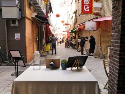 大通りまで徒歩10秒です。 - ゲストハウス神戸なでしこ屋 神戸南京町の中心部!販売スペースの室内の写真