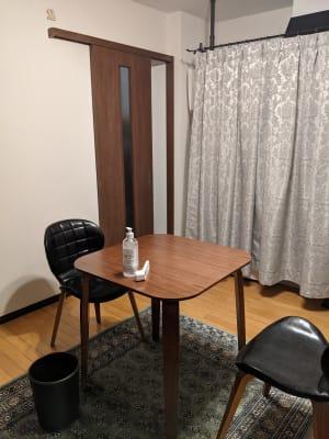受付スペースになります。 こちらでお茶をお出しすることもできます。 - Spa Bloomgarden レンタルサロンの入口の写真