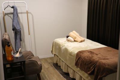 施術ルーム (レンタルサロンBlanco 伏見店) - レンタルサロン salon Blanco【A】の室内の写真