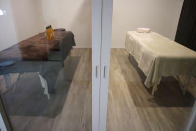 施術ルームには扉もついています - レンタルサロン salon Blanco【A】の室内の写真