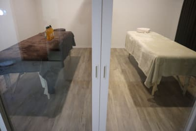 施術ルームには扉もついています - レンタルサロン salon Blanco【B】の室内の写真