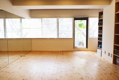 レンタルスタジオ サンクの貸切スタジオの写真 - レンタルスタジオ「サンク」 多目的スタジオの室内の写真