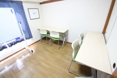 自習形式にもできます。 - CurioSpaceせいせき レンタルスペースの室内の写真