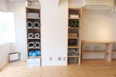 ヨガマット&プロップス(補助用具)※有料レンタル - レンタルスタジオ「サンク」 多目的スタジオの設備の写真