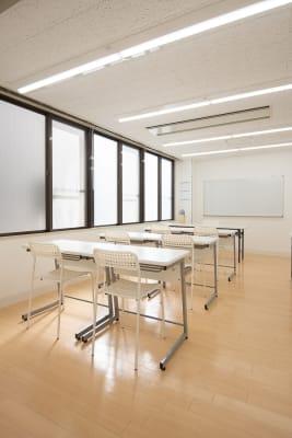 入って左側のお部屋 - 難波CITY南館前多目的スペース 清潔で静か、使いやすい左側の部屋の室内の写真