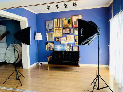 無料貸出照明 - ELLE(エル)スタジオ フォトスタジオ・レンタルルームの設備の写真