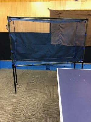 防球フェンスネット 有料 - オアシス卓球ステーション オアシススペースの設備の写真