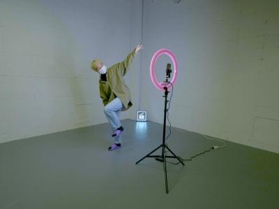スタジオ内に常設のリングライトは無料でご利用可能です! - StreetDancePark B studioの設備の写真