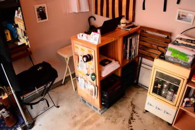 作業台、椅子あり (椅子×3) - bums tokyo 店舗(セレクトショップ)の室内の写真