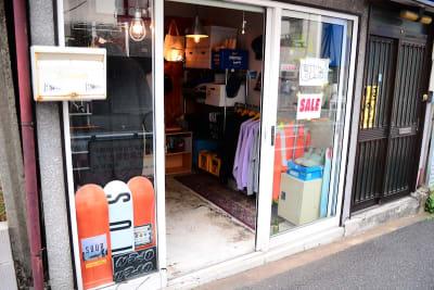 bums tokyo 店舗(セレクトショップ)の入口の写真