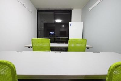 CurioSpace府中 レンタルスペースの室内の写真