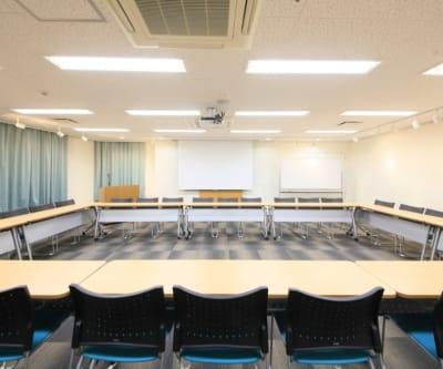 ダイワロイネットホテル岡山駅前 会議室の室内の写真