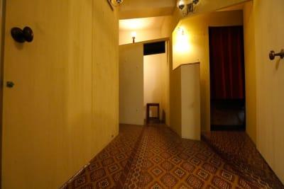 落ち着きのある共用ホール - 個室のレンタル美容室 ヘッドスパもできるサロン<E>の室内の写真