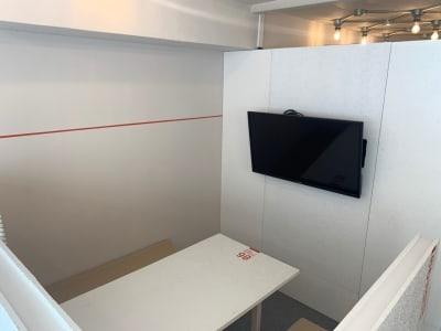 オフィスパーク 六本木コークス オープンフロアスペースの室内の写真