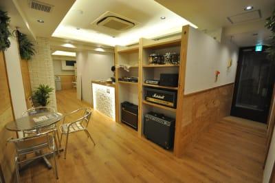 2階が受付です。 - スタジオパックス 新松戸店 配信LIVE視聴に!防音スペースのその他の写真