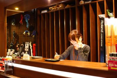 2階が受付です。 - スタジオパックス 船橋店 S4スタジオのその他の写真