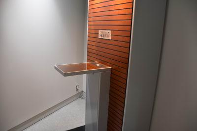 個室の喫煙スペースあり - ルーフラッグ賃貸住宅未来展示場 3階セミナールーム②の室内の写真