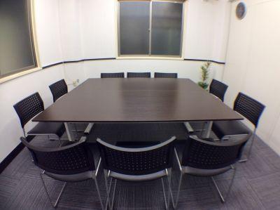 RAKUNA 新橋SL広場 B会議室の室内の写真