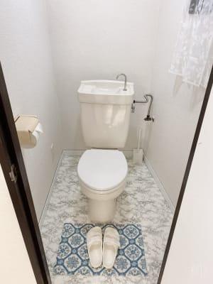 白を基調としたお手洗い。 - スタジオ白猫屋 調布店 調布ダンススタジオの室内の写真