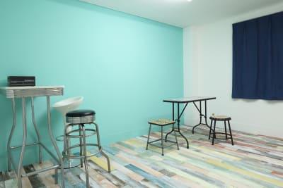 メイクルームはアメリカンクラシックな家具を揃えていますので撮影にもお使いいただけます - 撮影スタジオ Studio62 写真、動画の撮影スタジオの室内の写真