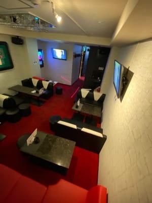 梅田大人数OKパーティールーム 持ち込みOK自由空有間の室内の写真