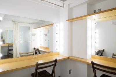 2面のメイクルームも同フロアにございます。 - 株式会社ファイブシーズン Oto.STUDIOの設備の写真