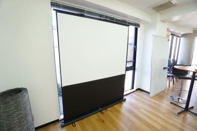 【SG Lounge】 SGLoungeミーティングの設備の写真