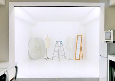 アイキースタジオ 動画撮影・動画配信・動画編集の室内の写真