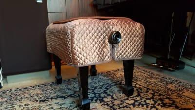 背もたれ無し椅子(背もたれ有り椅子も有り) - グランドピアノサロン 風の音 縦型ピアノ利用(2名様以内)の設備の写真
