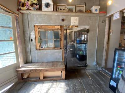 こちらがミーティングルーム入口です - 不動産cafe 貸会議室 ミーティングルームの入口の写真