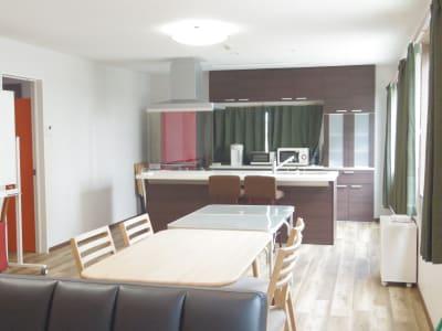 「みんなのリビング」室内の写真 - みんなのリビング 多目的スペースの室内の写真