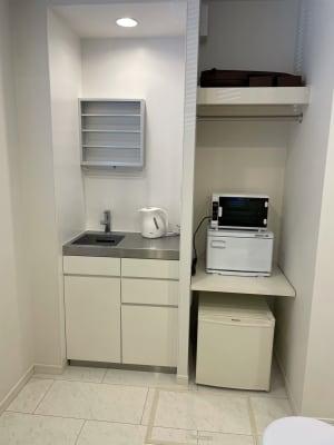 UV紫外線滅菌装置・ホットキャビ・キッチン・T-falポット・冷蔵庫(冷凍可) - レンタルサロン ABS サロンスペースの設備の写真
