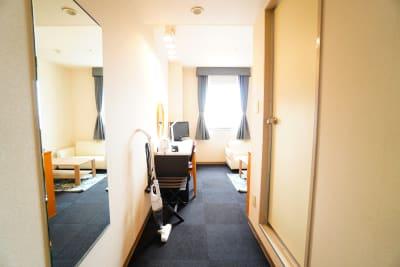 豊橋駅前完全個室ワークスペース 豊橋駅前ワークスペース907の室内の写真