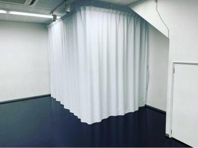 着替えカーテン - STUDIOFLAG 高田馬場店 レンタルスタジオ、貸しスペースの室内の写真