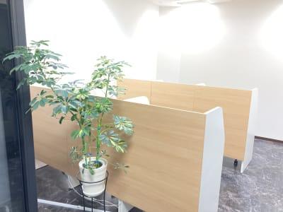 TAKASAKI BASE コワーキングスペース 60分利用の室内の写真