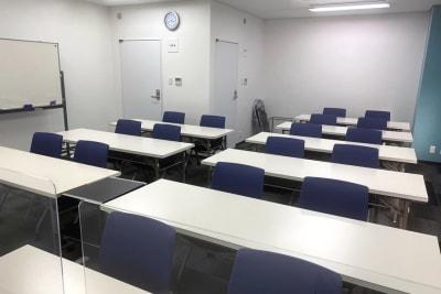 三宮ベンチャービル 貸し会議室の室内の写真